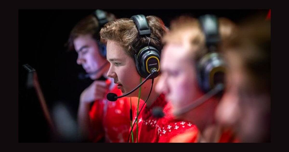 Jamppi sues Valve for over €250,000 in Damages for Banning him from Majors