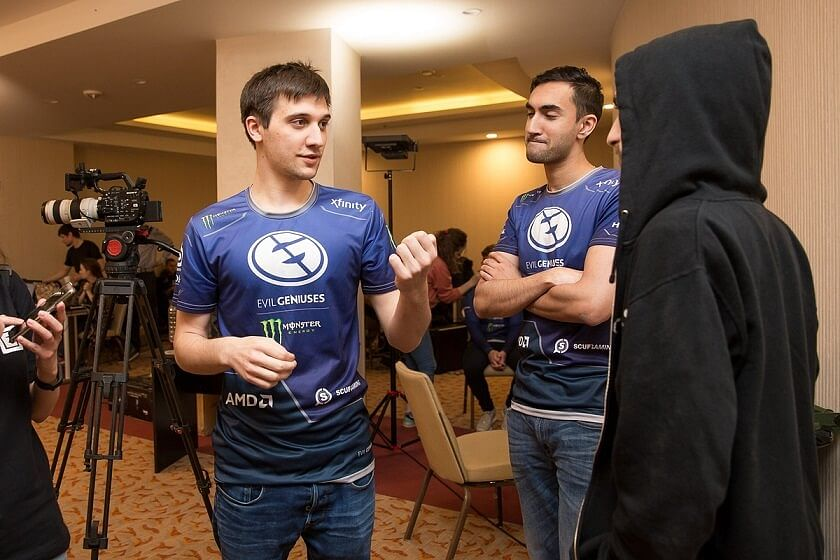 Arteezy Reveals Why He Stopped Playing in The Mid Lane