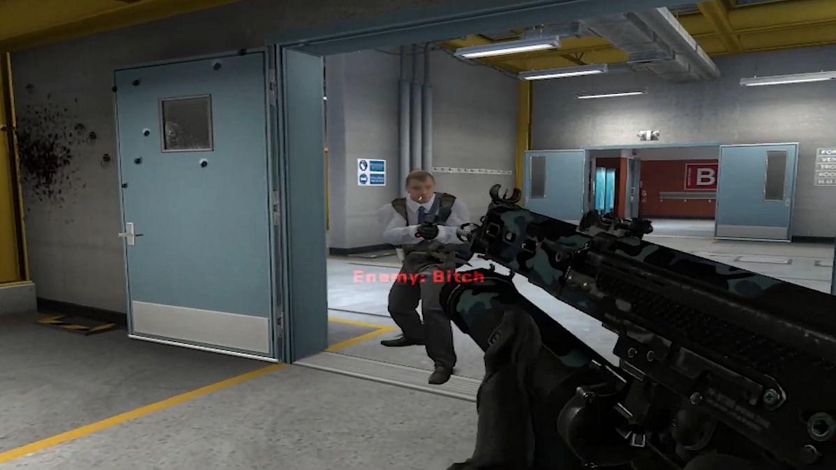 [Watch] CS:GO Player Dodges 50 PP-Bizon Bullets With Insane Movement Skills