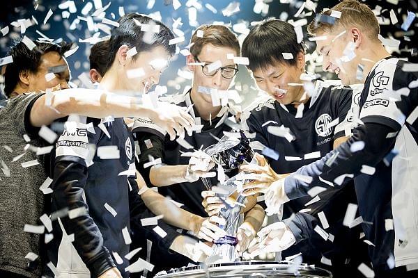 League of Legends Superstar Doublelift Retires