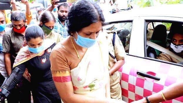 ഉത്ര വധക്കേസ്: സൂരജിന്റെ അമ്മയും സഹോദരിയും അറസ്റ്റില്