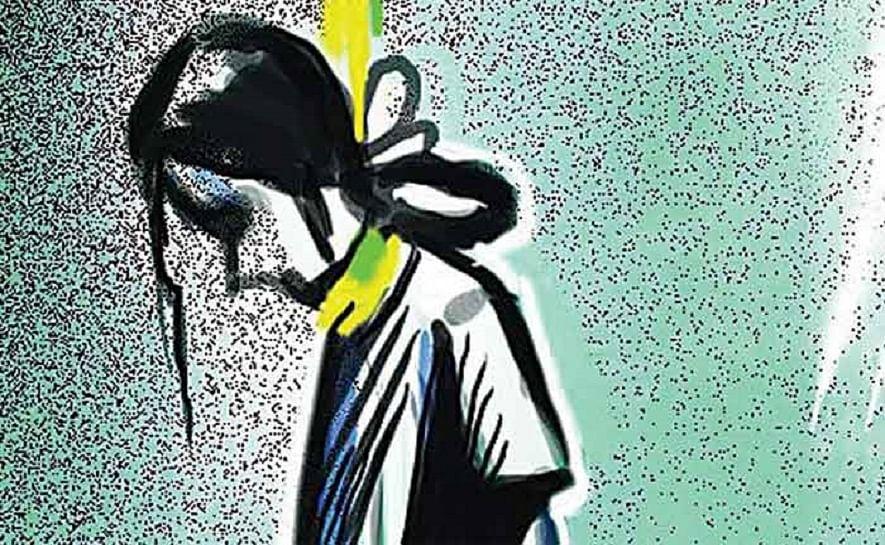ആംബുലന്സ് ഡ്രൈവറുടെ പീഡനത്തിനിരയായ പെണ്കുട്ടി ആത്മഹത്യക്കു ശ്രമിച്ചു