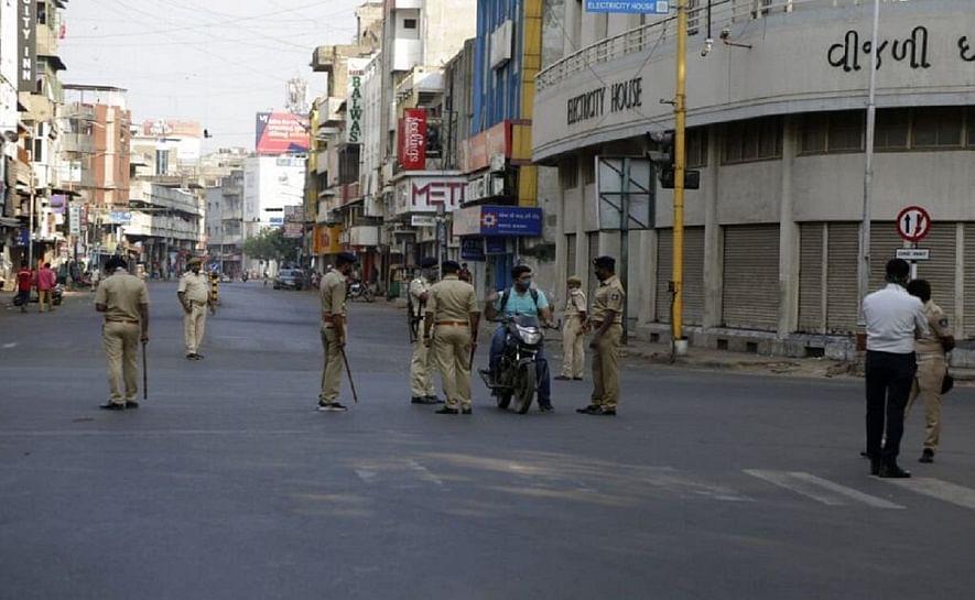 ഗുജറാത്തിലെ നാല് നഗരങ്ങളില് രാത്രികാല കര്ഫ്യൂ നീട്ടി