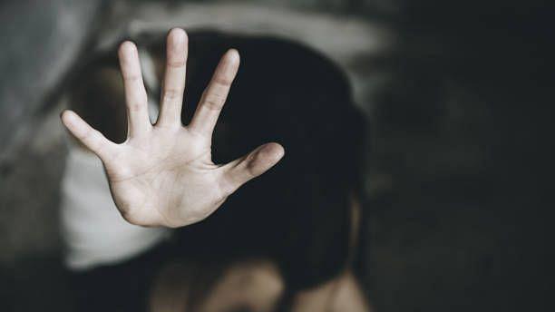 ഉത്തർ  പ്രദേശ് പോലീസ്  ഒരു പെൺവാണിഭ സംഘത്തെ പിടികൂടി