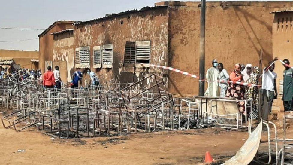 നൈജറിൽ സ്കൂളിൽ തീപിടുത്തം; 20 കുട്ടികൾ മരിച്ചു