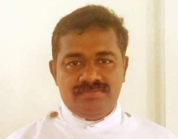 കോവിഡ് ബാധിച്ച് മരിച്ച റവ. ബിജുമോൻ അച്ചൻ