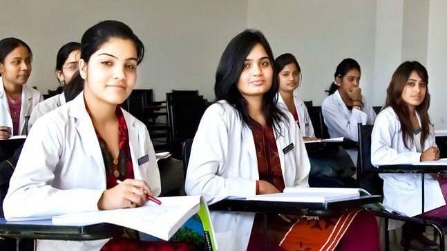 എം ബി ബി എസ്  അവസാന വർഷ  വിദ്യാർഥികളെ കോവിഡ്  പ്രതിരോധത്തിൽ പങ്കാളികളാകും