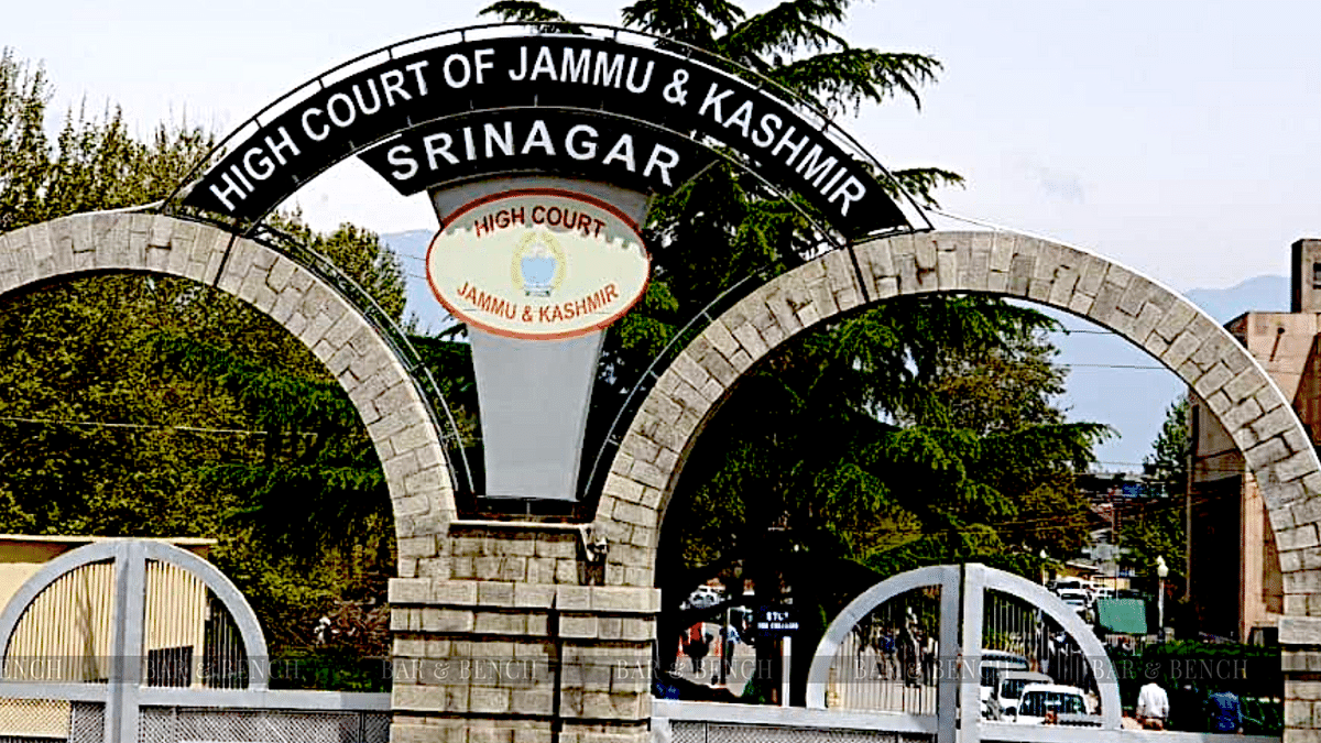 [COVID Lockdown] Jammu & Kashmir High Court seeks response from government on plea seeking financial assistance, insurance cover for lawyers