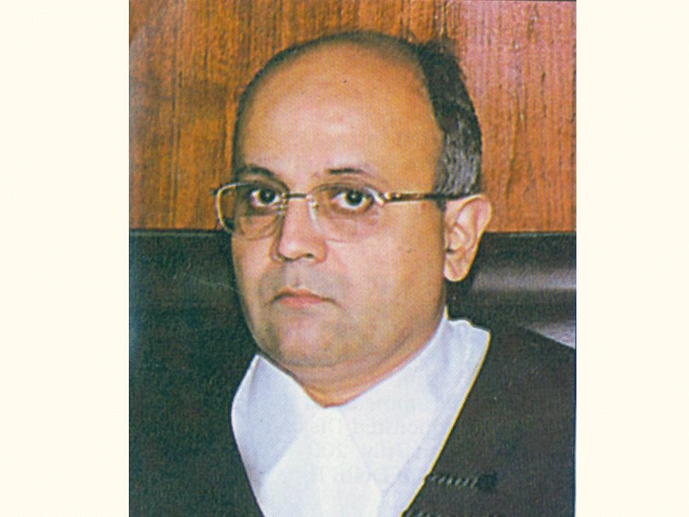 [Breaking] Second senior-most judge of Bombay High Court, Justice SC Dharmadhikari tenders resignation