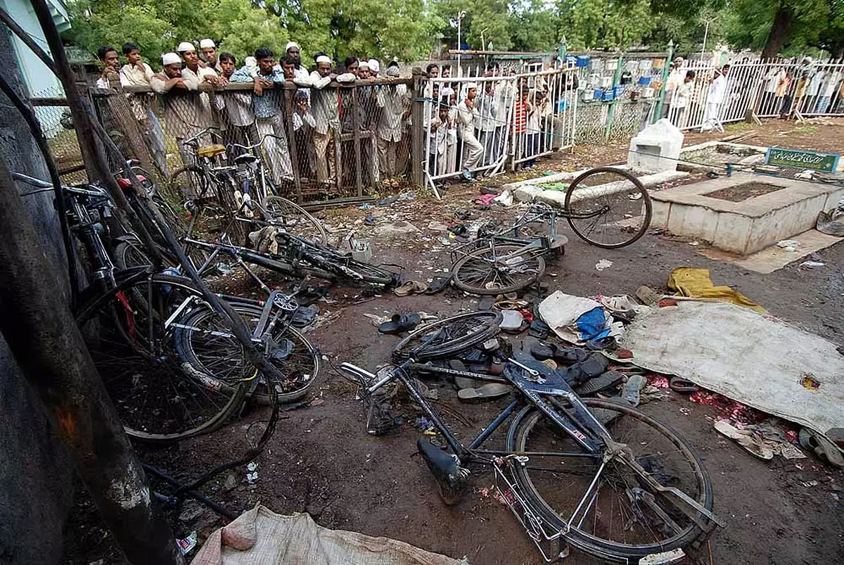 [Malegaon Blast]: Supreme Court asks family of victim to move Bombay High Court seeking extension of Trial Judge's tenure