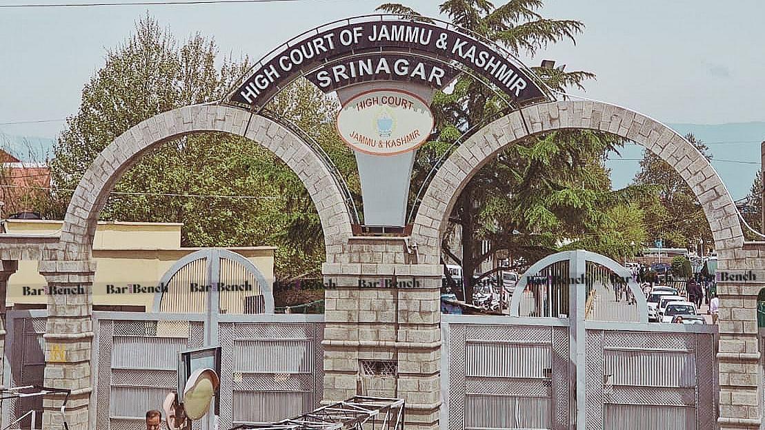Jammu & Kashmir HC dismisses PIL to restrain govt security forces from using pellet guns [Read Judgment]