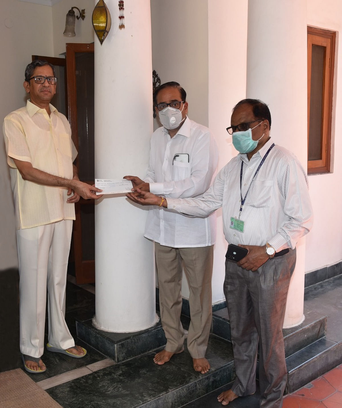 Justice Siddharth Mridul has contributed a sum of Rs 1.25 lakh to the Advocates' Welfare Fund, Bar Council of Delhi.