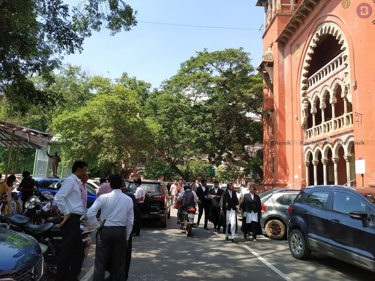Madras HC dismisses pleas to quash two IT complaints against Karti, Srinidhi Chidambaram over Muttukadu land sale transactions [Read Order]