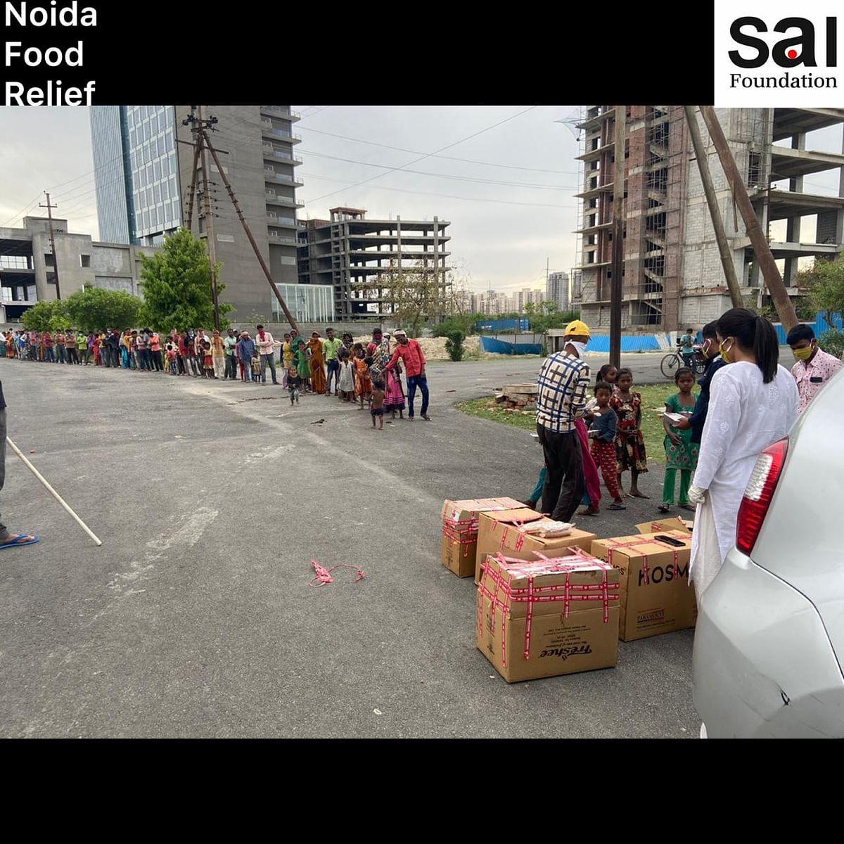 Noida Food relief