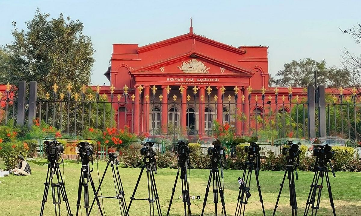 Karnataka HC issues notice in plea seeking compensation for families of Media persons in case of their death due to COVID-19