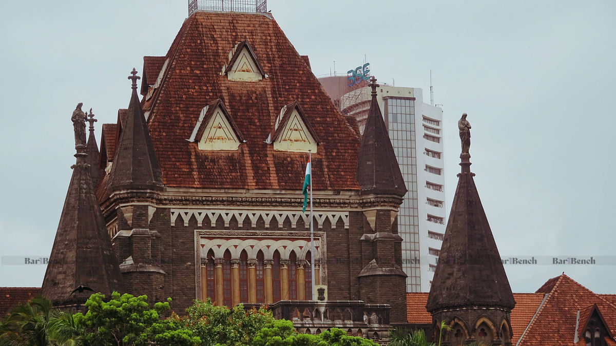 [COVID-19] Habit of spitting in public should be ended, levy hefty fines: Bombay High Court to Maharashtra govt, Police, BMC