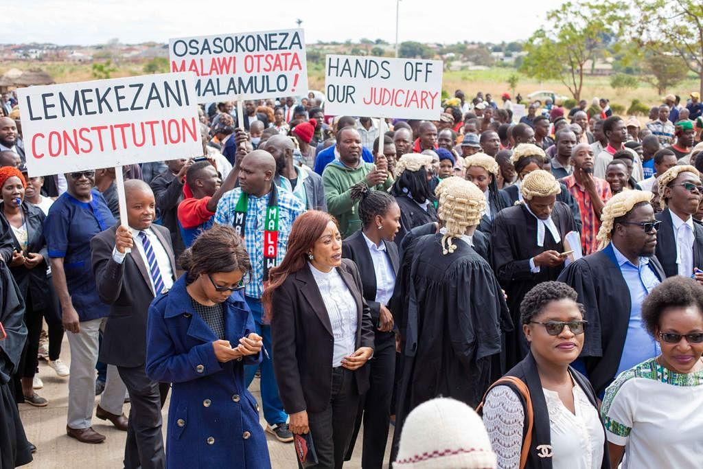 Malawi lawyers protest the government's attempt to send the CJ on leave