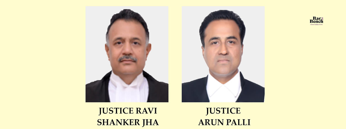 Chief Justice Ravi Shanker Jha (L) and Justice Arun Palli (R)