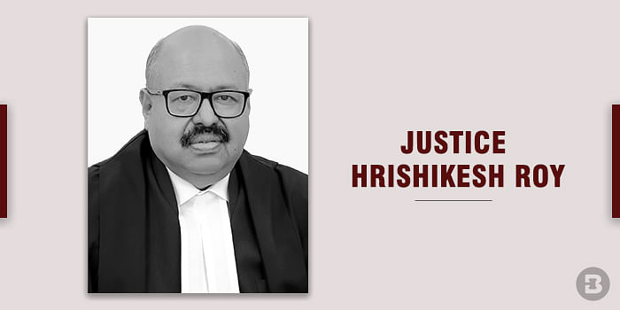 Transfer plea cannot be entertained on mere apprehension of hyper-sensitive person: Supreme Court dismisses plea by investigative journalist