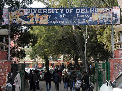 Cancel pending exams, adopt assignment based evaluation: LL.B. students from Delhi University Faculty of Law write to BCI, expert committee