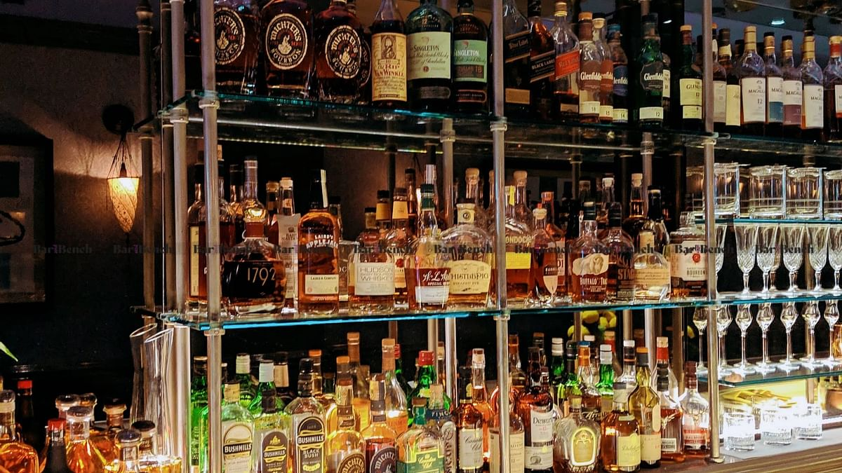 Delhi High Court seeks response from from Central, State govts on new Excise Policy