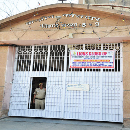 Delhi HC directs Tihar jail to give meditational therapy, involvement in sports, arts to homicide convict