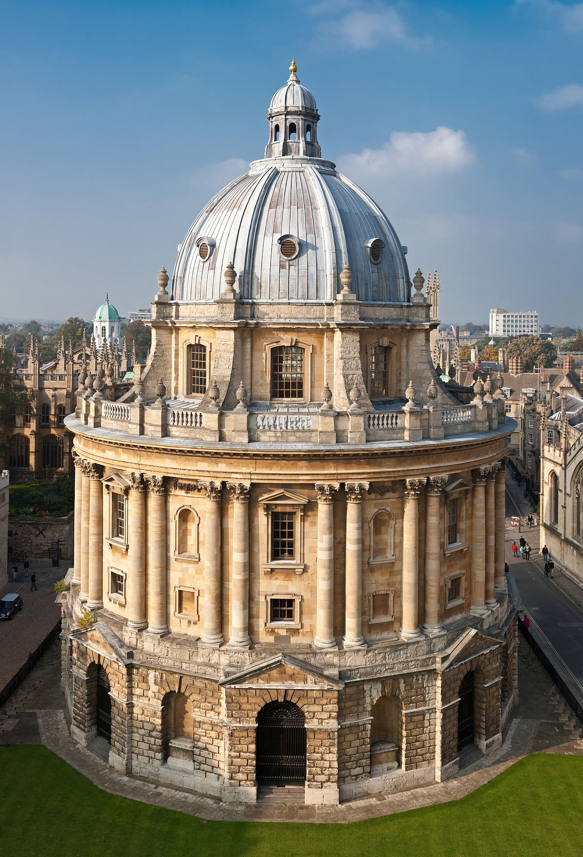 Oxford University to investigate complaints against moot organizers; Says OUSI refused University assistance, requests for information