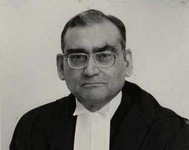 """Justice Katju strikes again; Reveals CJI's reluctance to impeach, phone taps on """"agents"""" of HC judges"""
