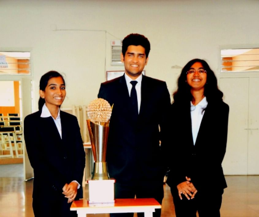 NLIU win the 7th NUJS-HSF National Corporate Law Moot Court Competition, NLSIU clinch second