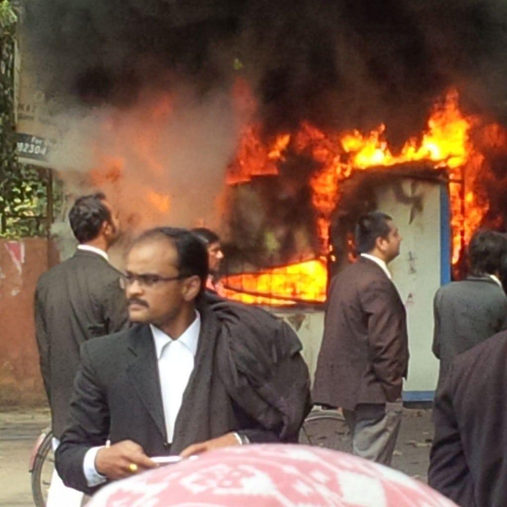 Delhi Bar Association to go on strike against Law Commission's bid to outlaw strike by lawyers