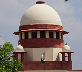 Supreme Court resigns to the failure of Bar Councils, stresses on urgent need to review Advocates Act