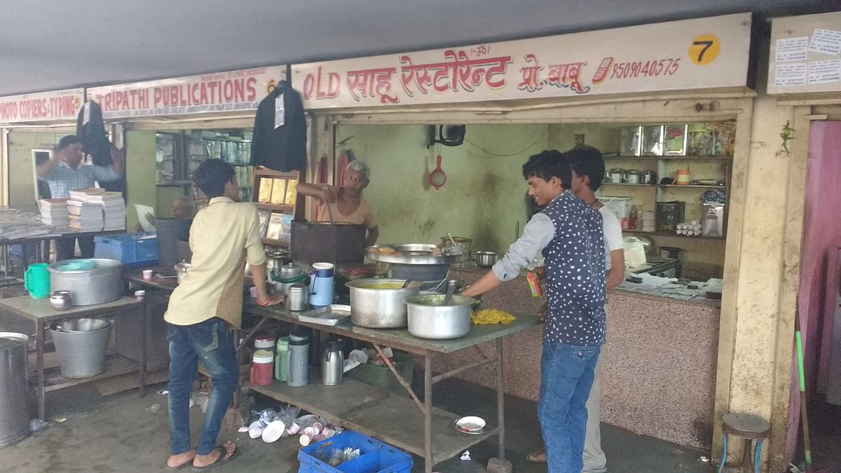 One of the tea stalls at the Rajasthan High Court campus
