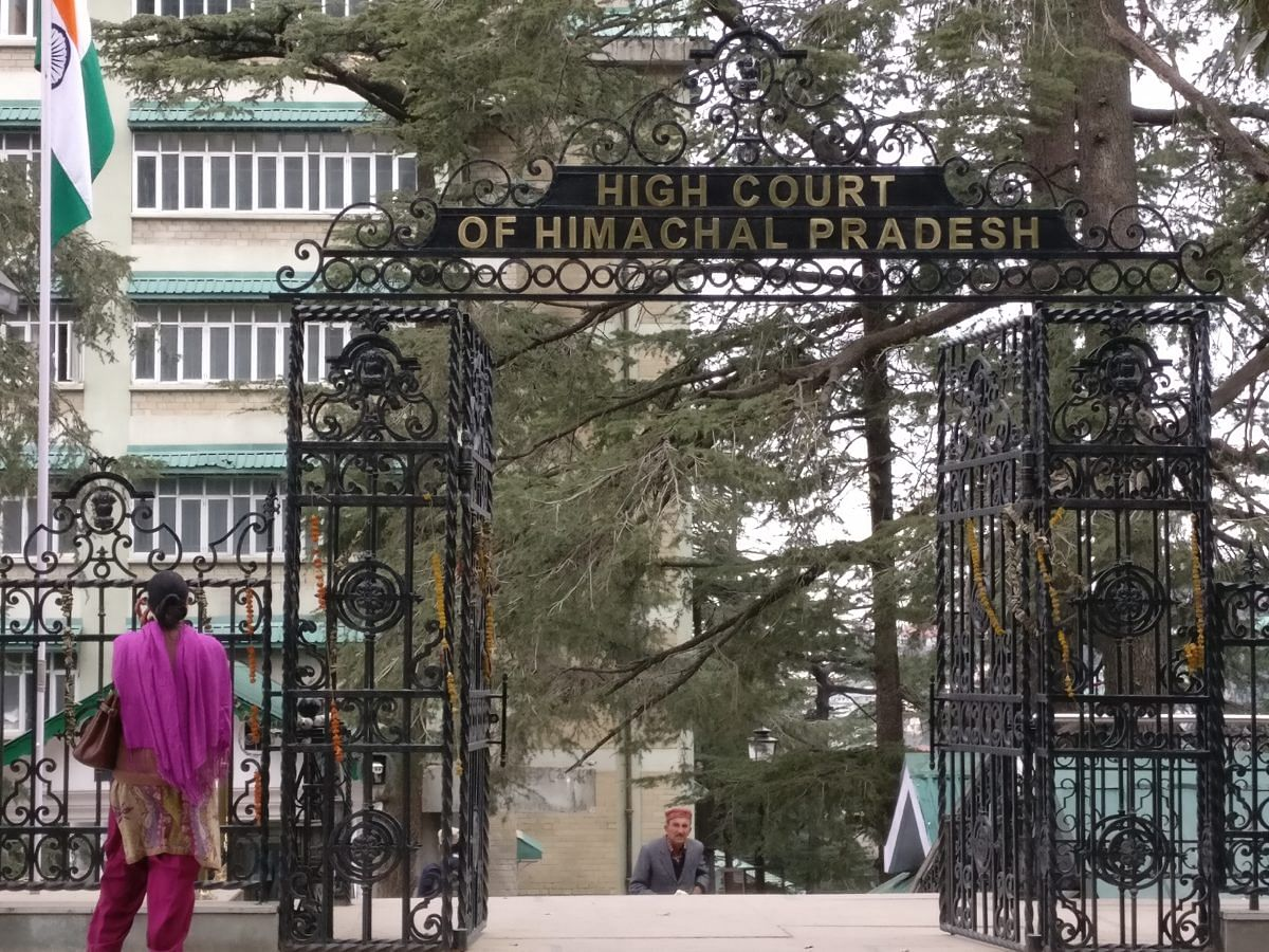 [COVID-19 Lockdown] Himachal Pradesh HC directs State to file Status Report on steps taken to address challenges faced by Migrant Labourers