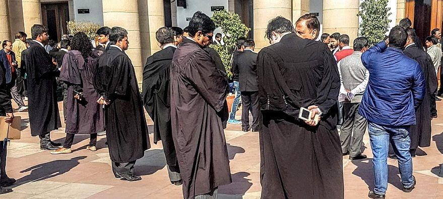 Pending criminal case by itself no bar for Enrollment as Advocate, Madhya Pradesh HC