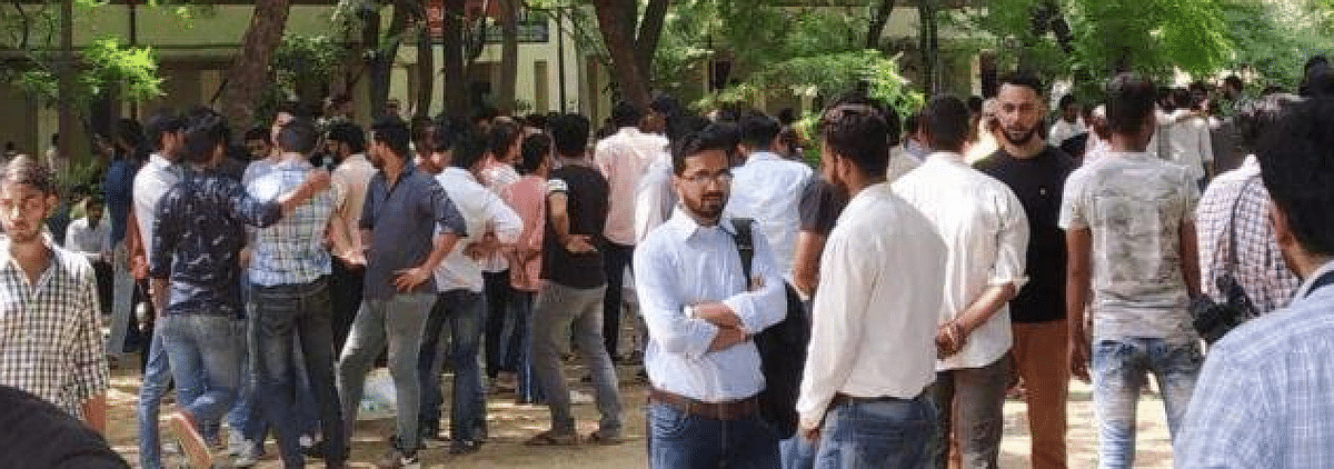 Delhi High Court directs DU to secure EVMs used in DUSU election