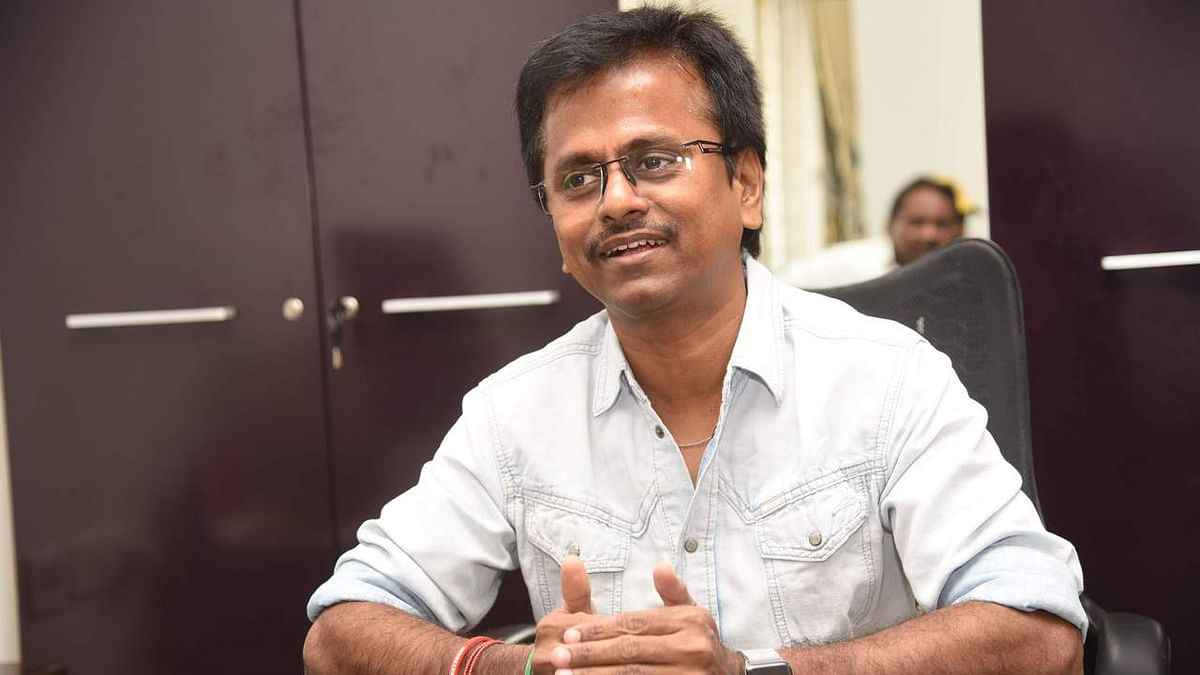 Sarkar Row: Will not waive free speech and refrain from criticising govt, AR Murugadoss to Madras HC