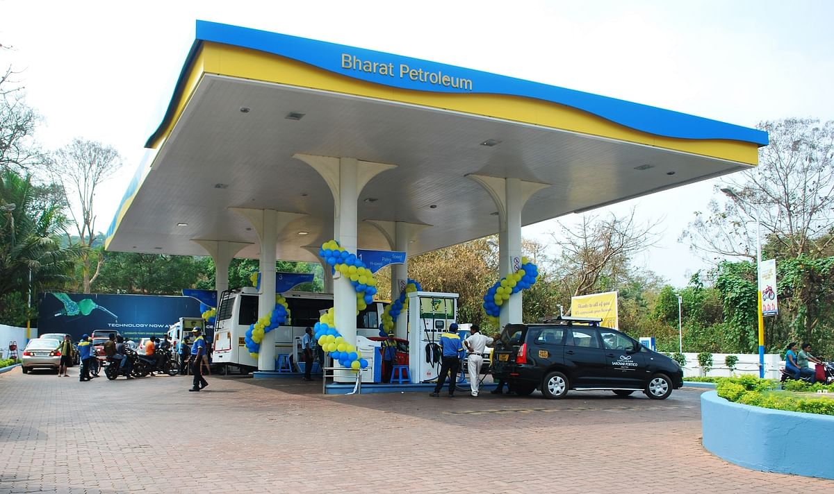 """Delhi HC imposes costs of Rs 1 lakh on Bharat Petroleum for """"harassing common citizens"""""""