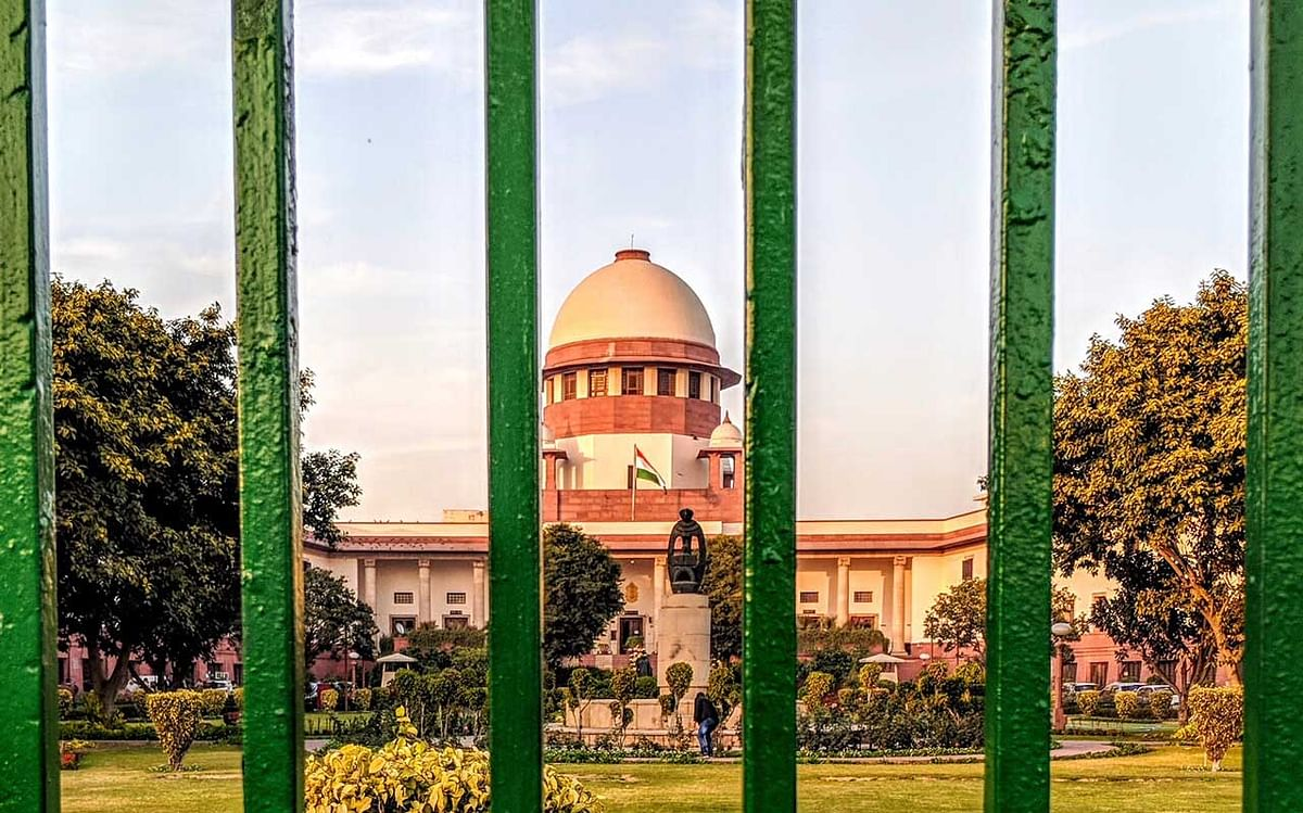There are restrictions on entry into Supreme Court