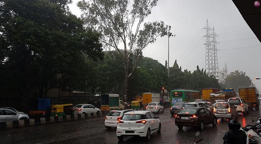 Delhi HC directs Delhi Govt to consider representation on challenge to Odd Even Scheme