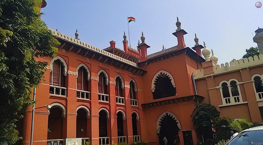 Special Committee may be constituted to look into news circulation, income tax returns by press if convinced of apprehensions regarding fake press: Madras HC