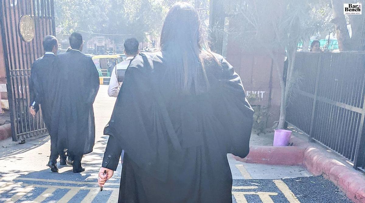 दिल्ली एचसी ने बार काउंसिल ऑफ दिल्ली द्वारा ऑनलाइन नामांकन आवेदनो की स्वीकृति हेतु लॉ ग्रेजुएट्स की याचिका पर नोटिस जारी किए