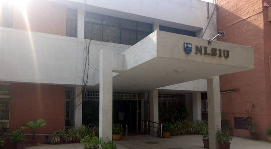 [NLSIU 25% अधिवास आरक्षण] पिछले 10 वर्षो मे, 800 स्नातको मे 33 ने स्टेट बार मे नामांकन किया: एजी नवदगी कर्नाटक एचसी के समक्ष