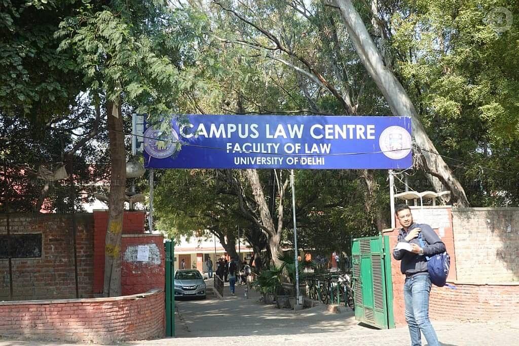 प्रोन्नत छात्रो के पहले के सेमेस्टर की परीक्षा आयोजित करने के फैसले के खिलाफ याचिका पर दिल्ली HC का BCI, विधि संकाय को नोटिस