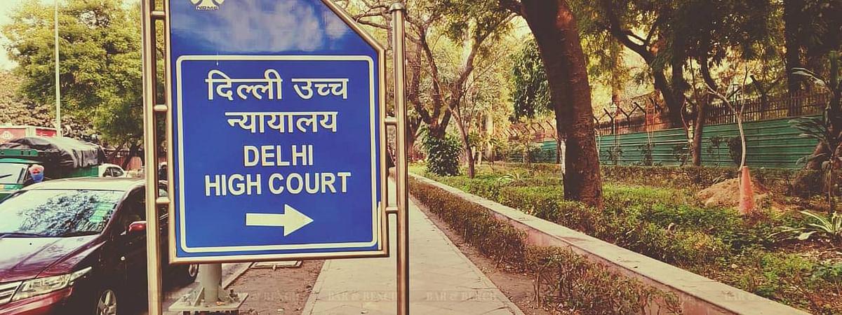 निजी अस्पतालो के 80% ICU बेड कोविड के मरीजो को सुरक्षित रखने के आदेश पर रोक के खिलाफ दिल्ली सरकार की अपील पर SC द्वारा नोटिस