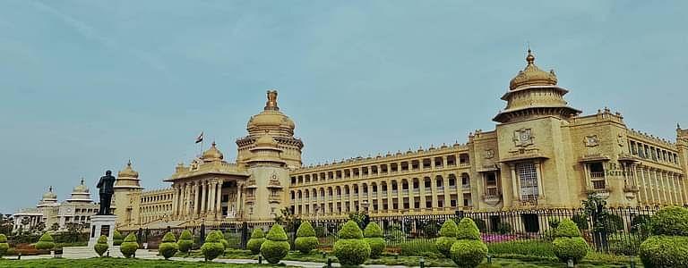 [ब्रेकिंग]: विधायक एएच विश्वनाथ नही बन सकते मंत्री, अयोग्यता वर्तमान विधानसभा का कार्यकाल पूरा होने तक जारी है, कर्नाटक HC