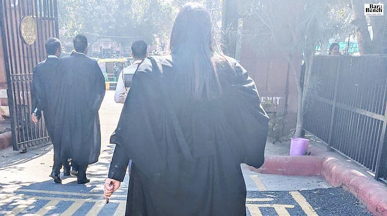 वर्चुअल कोर्ट के फायदे से ज्यादा नुकसान है: 505 वकीलो ने SC में फिजिकल कामकाज फिर से शुरू करने के लिए CJI Bobde को पत्र लिखा