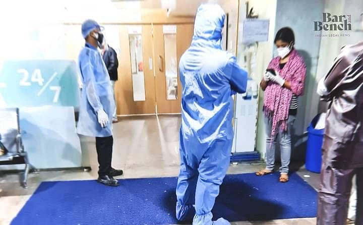 दिल्ली उच्च न्यायालय ने सभी कैदियों, जेल कर्मचारियों के टीकाकरण की मांग वाली याचिका में AAP सरकार से जवाब मांगा