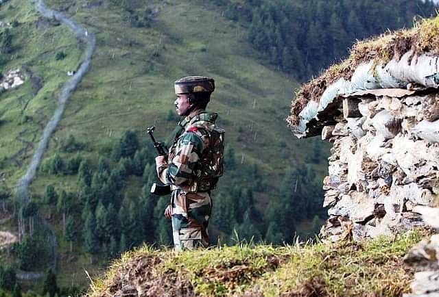 राष्ट्रीय रक्षा अकादमी, भारतीय नौसेना अकादमी से महिलाओं के बहिष्कार को चुनौती देने वाली याचिका में SC ने केंद्र से मांगा जवाब