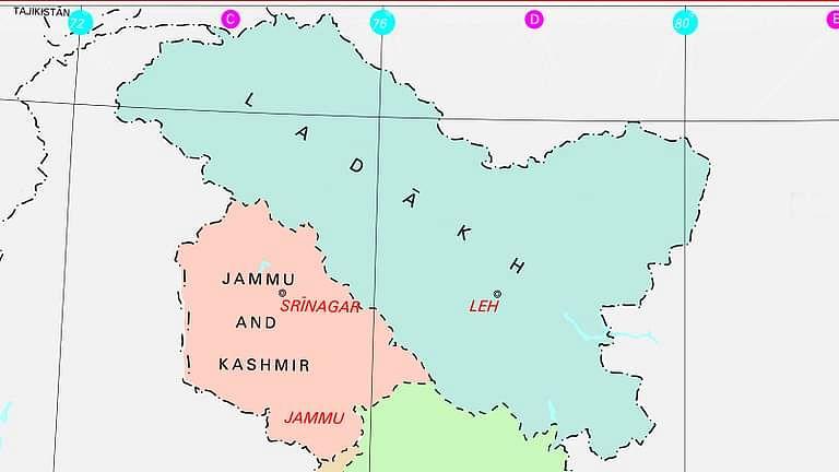जे&के सरकार को नई सूची तैयार करने का निर्देश देते हुए कैट ने जम्मू-कश्मीर पुलिस में उप-निरीक्षकों की चयन सूची को रद्द किया