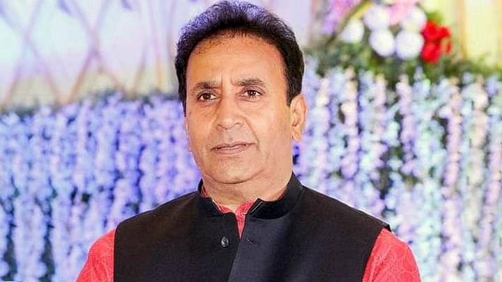 बॉम्बे HC के CBI द्वारा प्रारंभिक जांच की अनुमति के फैसले देने के बाद महाराष्ट्र के गृहमंत्री अनिल देशमुख ने इस्तीफा दिया